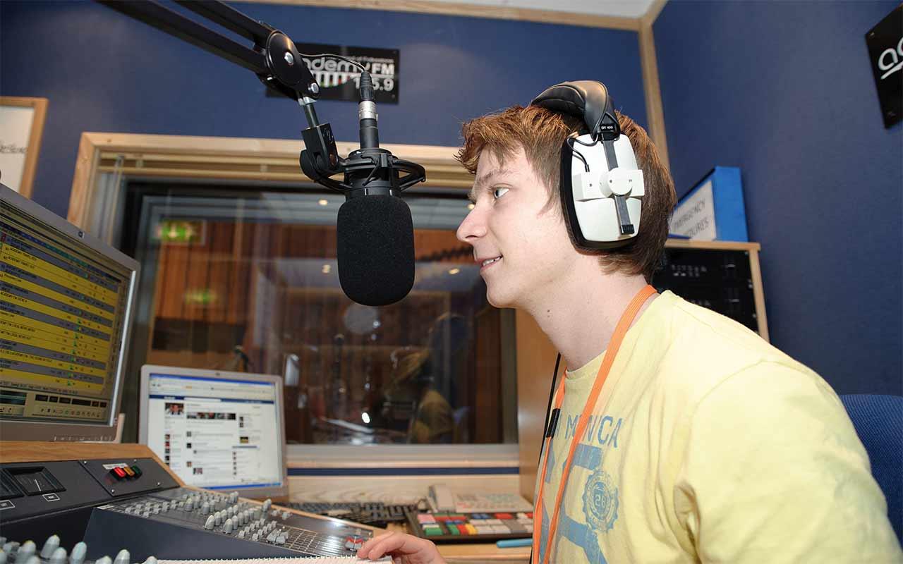 radio-106